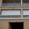 Store coffre bannette à descente vertical toile micro perforée